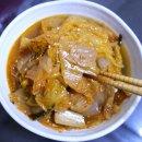 촌스럽지만 인기 만점 반찬 메뉴인 묵은지 김치 볶음 맛있게 만드는 방법